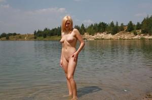 Hot-Blonde-NIP-j7agwxmdvf.jpg
